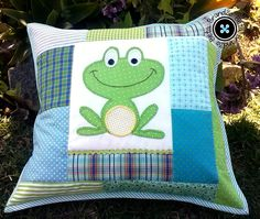 Patchwork with applique frog pillow cushion Dyi Pillows, Sewing Pillows, How To Make Pillows, Decorative Pillows, Applique Cushions, Patchwork Cushion, Quilted Pillow, Frog Applique Pattern, Applique Quilt Patterns