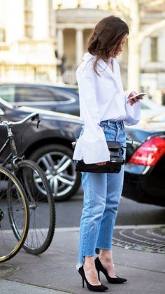 light denim wash levis trend for spring visual therapy