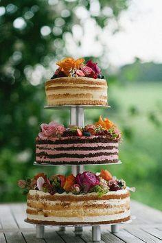 Liebevolle Scheunenhochzeit auf der Maisenburg cake Loving barn wedding on the Maisenburg Pretty Cakes, Beautiful Cakes, Wedding Cake Rustic, Wedding Cakes, Bolo Nacked, Naked Cakes, Wedding Cake Inspiration, Wedding Blog, Wedding Ideas