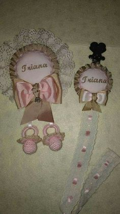 Chupeteros Crochet Baby, Baby Essentials, Pacifiers, Baby Sewing, Lockets