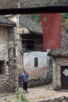 Maxime Nerguisian - Le fumeur de Yangshuo, 2010