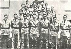 ROTC, University of the Philippines, Diliman, 1930s #kasaysayan #pinoy #classpicture Rotc, Class Pictures, Pinoy, Filipino, Over The Years, 1930s, Philippines, University, Painting