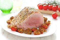 Filetto di tonno al forno con pomodorini gratinati alle erbe