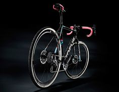 """Check out new work on my @Behance portfolio: """"focus bikes"""" http://be.net/gallery/33448915/focus-bikes"""