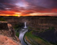 First Light at Palouse Fall by Bsam  on 500px