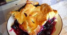 The Perfect Blueberry Pie recipe uses a homemade pie crust and fresh blueberries. You'll love this classic pie recipe! Blueberry Pie Recipes, Blueberry Desserts, Sweet Cherry Pie, Boston Cream Pie, Homemade Pie Crusts, Sweet Cherries, No Bake Cookies, Food Processor Recipes, Sweet Treats