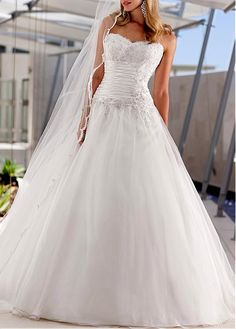 ATTRACTIVE SATIN ORGANZA BALL GOWN STRAPLESS SWEETHEART RUCHED BEADED APPLIQUES WEDDING GOWN DRESS