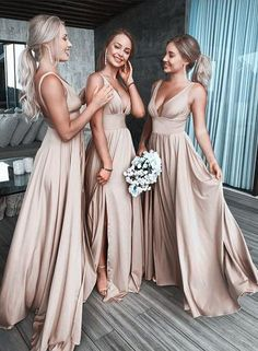 Bridesmaid dresses - Handmade itemMaterials: SatinMade to orderColor:Refer to imageProcessing time:15-25 business daysDelivery date:5-10 business daysDress code:E0322Fabric: SatinEmbellishment: NoneStraps: With strapsSleeves: SleevelessSilhouette: A LineNeckline: V neckHemline: Full length
