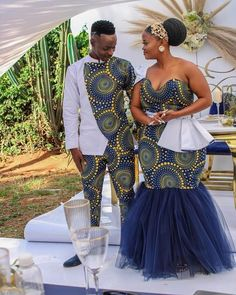 African Traditional Wear, African Traditional Wedding Dress, Traditional Wedding Cakes, Traditional Fashion, African Fashion Skirts, African Dresses For Women, African Attire, Shweshwe Dresses, Plus Size Wedding Gowns