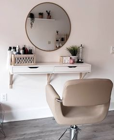 Spotted: Corsa Styling Chair at the stunning Gypsytan in Columbus, MS! Spotted: Corsa Styling Chair at the stunning Gypsytan in Columbus, MS!