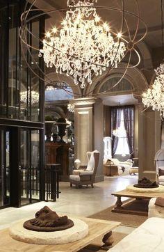 Beautiful homes, decoration, arquitetura e design, luxury interior, contemp Luxury Home Decor, Luxury Interior, Luxury Homes, Modern Interior, Luxury Chandelier, Luxury Lighting, Chandeliers, Unique Chandelier, Dream Homes