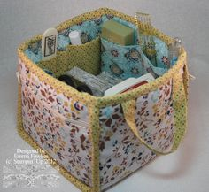 Lady & the Stamp: Comfort Cafe Fabric Tote, pattern for sale. This looks really handy for holding loads of crafting stuff Patchwork Bags, Quilted Bag, Tote Pattern, Bag Patterns, Sewing Patterns, Fabric Boxes, Fabric Basket, Diy Sac, Sewing Baskets