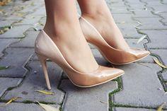 mowmimoniska: November #fetishpantyhose #pantyhosefetish #legs #heels #blogger #stiletto #pantyhose #tan