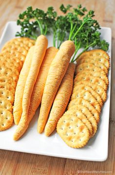 How cute are these!?  Cheese Carrots;) #creativejuicesflowing #cheese #carrots   http://shewearsmanyhats.com/cheese-carrots/❤️