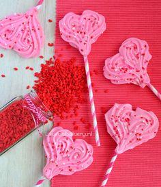 Valentijn meringue pops – schuim harten