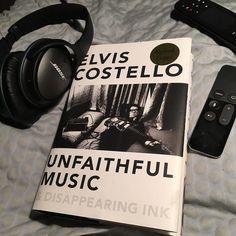 Reading from bretellis. #writinglife #breteastonellis #theflamethrowers