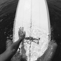 """allboardingadventures: """" Surf – Snow – Skate """" that's me - Surfing Photos Black And White Picture Wall, Black And White Pictures, Beach Aesthetic, Summer Aesthetic, Wallpaper Praia, Image Surf, Photo Surf, Surfing Pictures, Black And White Aesthetic"""