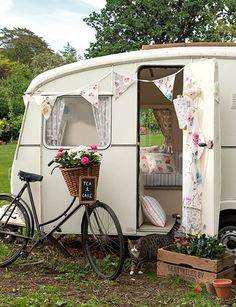 dreaming of a little #caravan holiday! http://hearthandmade.co.uk/inspiring-diy-sewing-projects-and-textiles
