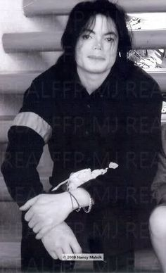 Michael Jackson - Michael Jackson Pictures #6: CAUTION: This thread may cause dizzyness, fainting and out-of-this-world visuals. - Page 19 - Fan Forum