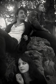 Les Discrets, the French post rock band Coming Out, Black Metal, Rock, Che Guevara, Musicals, Couple Photos, Cage, Artist, Bands