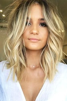 30 Hairstyles For Fine Hair To Put An End To Styling Troubles- Long Bob Haircut ❤️ Check out these easy hairstyles for fine hair. See how you can sport bob with bangs and many other cool styles for short, medium, and long hair. Haircuts For Thin Fine Hair, Bobs For Thin Hair, Long Bob Haircuts, Long Bob Hairstyles, Hairstyles For Round Faces, Short Hair Cuts, Stylish Hairstyles, Sport Hairstyles, Natural Hairstyles