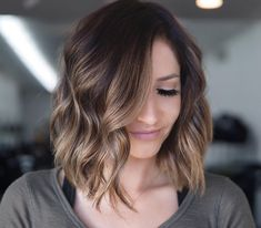 Latest Short Hairstyles for Women 2019 Featuring the Latest haircuts and hairstyles for all seasons. Latest Short Hairstyles for Women Straight Long Inverted Bob Sty Short Hair With Bangs, Short Hair Cuts For Women, Thick Hair, Latest Short Hairstyles, Straight Hairstyles, Ladies Short Haircuts, Latest Haircuts, Undercut Hairstyles, Hairstyles With Bangs