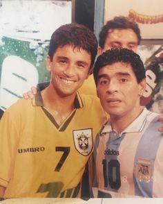 Hoje é aniversário de um grande amigo e um dos maiores nomes do futebol mundial!!! Sempre que nos enfrentamos me tratou com enorme carinho e respeito, tendo, inclusive, me presenteado com sua camisa no meu famoso gol de voleio em 1989, após dizer que foi um dos gols mais bonitos que já viu em sua carreira!! Maradona foi um craque, uma lenda e um dos jogadores mais habilidosos que já pisaram no gramado, adorava vê-lo jogar! Tive o enorme prazer de conhecer não só o jogador, mas também o…