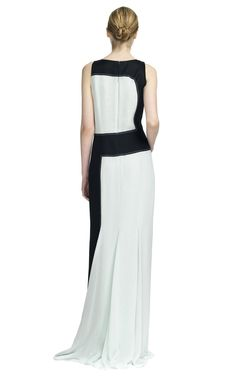 Graphic perfection. Carolina Herrera
