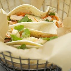 Guests will love assembling their own Bánh Mì-style tacos and stuffing them with homemade slaw and spicy Sriracha mayonnaise. Asian Recipes, Mexican Food Recipes, Healthy Recipes, Ethnic Recipes, Meat Recipes, Free Recipes, Healthy Food, Sandwiches, Cilantro Chicken