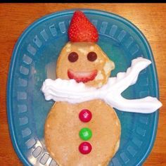 Snowman Pancakes - The kids would love these on Christmas morning Christmas breakfast Christmas Morning Breakfast, Christmas Brunch, Breakfast For Kids, Christmas Goodies, Christmas Holidays, Breakfast Recipes, Breakfast Ideas, Santa Breakfast, Xmas Party