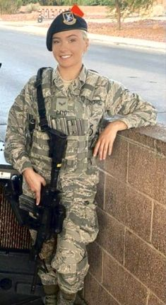 Air Force Women, Us Air Force, Military Girl, Military Police, Military Special Forces, Hero World, Army Life, Female Soldier, Military Women