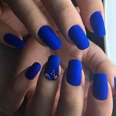 Очень насыщенный и сочный цвет!  #beauty #beautiful #beautyblog #nails Идеи маникюра✔️ @_beauty.secrets Идеи причесок ✔️ @_beauty.secrets Идеи макияжа ✔️ @_beauty.secrets Модные образы✔️ @_beauty.secrets Подпишись!