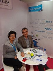 Bruno Florence, du blog pignon sur mail, et Esma El Ouni, directrice Marketing d'Edatis, au salon E-Marketing 2012