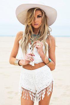 Sexy Cowgirl Outfits, Boho Outfits, Cute Outfits, Beach Outfits, Summer Outfits, Fashion Photo, Boho Fashion, Daily Fashion, Pool Party Outfits