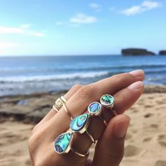 Just can't get enough of this colorful shell. Ready to ship & custom #abalone options are now in the online shop. These are for you @yeahreallystudio. #doradopr #handmade #rings #summerlovepr