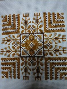 Palestinian Cross Stitch Embroidery, Embroidery Patterns, Hand Embroidery, Palestinian Embroidery, Lassi, Art N Craft, Star Patterns, Le Point, Cross Stitch Designs