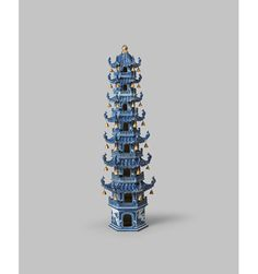 Blue and white eight tiered pagoda Porcelain decorated in underglaze cobalt blue and gold 90 x 28 cm China, Qing dynasty (1644-1911), late 18th century-early 19th century To be exhibited at #TEFAF2016 (11-20 March 2016) by Jorge Welsh Works of Art.