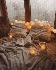Kerzenherstellung Hygge Bringing the Previous W Cozy Aesthetic, Aesthetic Bedroom, Bohemian Bedroom Decor, Autumn Cozy, Autumn Rain, Autumn Leaves, Autumn Coffee, Cozy Winter, Autumn Inspiration