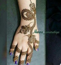 Latest Arabic Mehndi Designs, Stylish Mehndi Designs, Mehndi Art Designs, Beautiful Mehndi Design, Mehndi Designs For Hands, Henna Tattoo Designs, Mehendi, Dress Dior, Mehndi Design Pictures