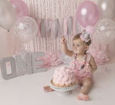 West Palm Beach photographer, cake smash, pink and silver, one year session