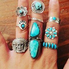 Jewelry Center, Cute Jewelry, Jewelry Rings, Jewelery, Silver Jewelry, Jewelry Accessories, Hand Jewelry, Glass Jewelry, Jewelry Shop