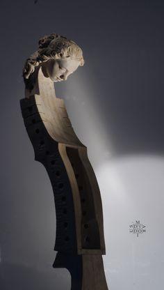Główka powstała na zlecenie mistrza sztuki lutniczej Matthew Farley httpa//earlymusicinstruments.com/:::earlymusicinstruments.com Te pìękne instrumenty trafiają do rąk wirtuozów muzyki dawnej.  The sculpture was commissioned by a master of the art of violin making Matthew Farley earlymusicinstruments.com these beautiful instruments reach the hands of virtuosos of early music
