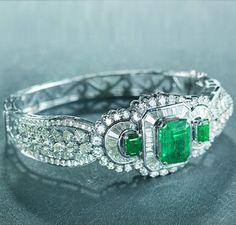 http://clothingandjewellery.blogspot.ca/search/label/Hazoorilal jewellers
