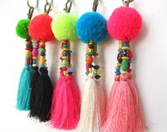 Luisa Tassle Keychain Large Pom Pom Tassel Keychain Tassel Zipper Pull BOHO Chic Bag Charm Beach Bag Summer Festival Unique Gifts For Her によく似た商品を Etsy で探す Crafts For Teens To Make, Crafts To Sell, Diy And Crafts, Tassle Keychain, Diy Y Manualidades, Pom Pom Crafts, Unique Gifts For Her, Dollar Store Crafts, Spring Crafts