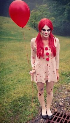 Halloween Costumes Homemade 【Children, Adults, Pets - Hallowen Vintage pennywise homemade costume for women # disguises Homemade Halloween Costumes, Halloween Cosplay, Halloween Outfits, Halloween Makeup, Halloween Party, Pennywise Halloween Costume, Scary Kids Halloween Costumes, Scary Clown Costume, Scary Clown Makeup