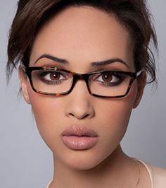 women glasses face shapes 395964992207978291 - Jai-Kudo-Glasses Source by lboulenouar Glasses For Oval Faces, Glasses For Your Face Shape, Fake Glasses, Cool Glasses, Girls With Glasses, Stylish Glasses For Women, Womens Glasses Frames, Eyeglasses Frames For Women, Rayban Eyeglasses Women
