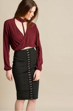 Bluza eleganta rosie din voal cu decolteu suprapus Waist Skirt, High Waisted Skirt, Casual, Skirts, Fashion, Moda, High Waist Skirt, Fashion Styles, Skirt
