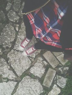 OOTD! Maroon Converse. Maroon Converse Outfit, Outfits With Converse, Converse All Star, Overwatch, Outfit Of The Day, Vans, Ootd, Style Inspiration, My Style