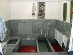 Google Image Result for http://www.lourdes-france.org/upload/images/miracles/piscines_int.jpg