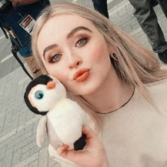 Sabrina Carpenter, Divas, Girl Meets World, Famous Girls, Celebs, Celebrities, Woman Crush, Celebrity Crush, Girl Crushes